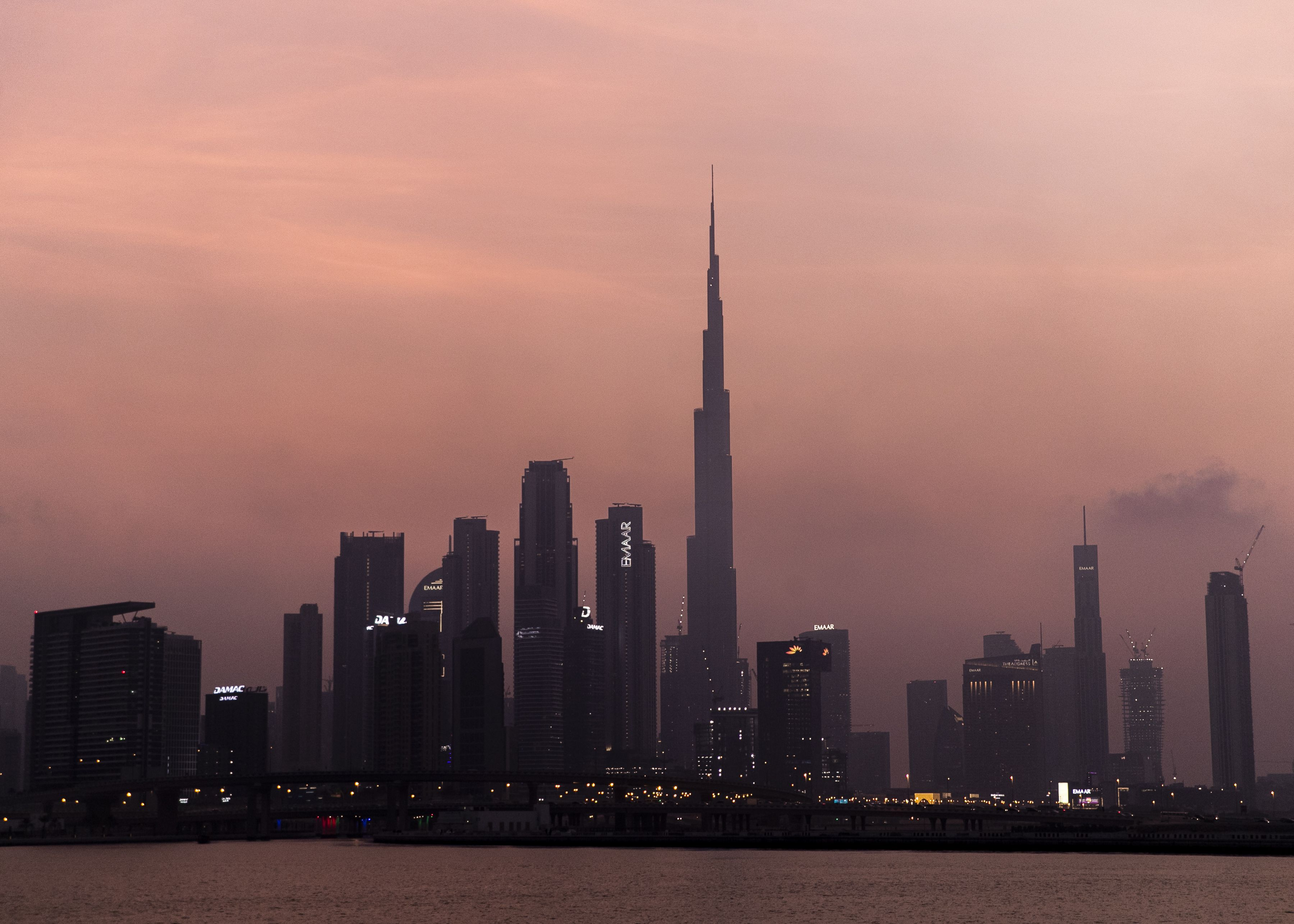 Image UAE the world's fourth-best country to live and work